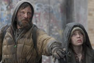 Védelmező Apa - jelenet Az út című filmből, Viggo Mortensennel